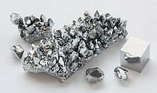 Chromium_crystals_and cube